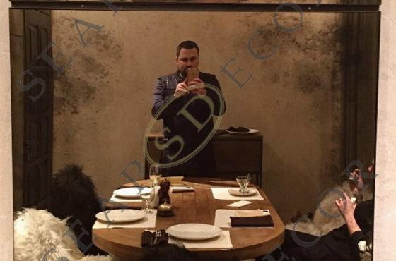 Ресторан Kuvshin от La Famiglia. Состаренное зеркало Classic Bronze