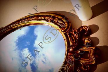 Лот 17d. Старинное зеркало в гипсовой раме. Цена: 375$