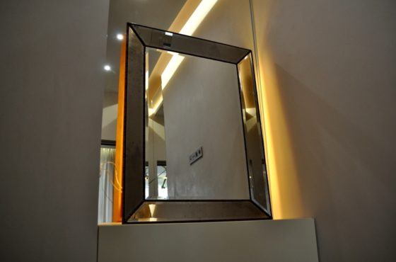 Зеркала в зеркальной раме