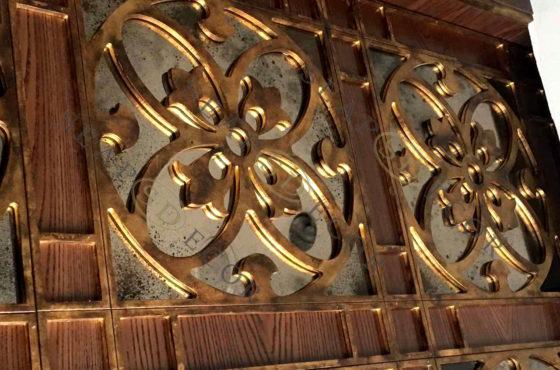 Zafferano Riviera Zoloche от La Famiglia. Состаренное зеркало Classic Bronze от SEAPS