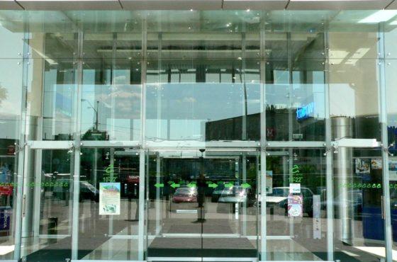 Фасад и перегородки в торгово-развлекательном комплексе Караван