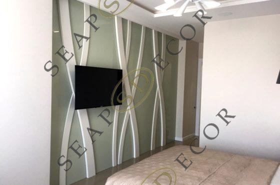 Стены из стекла и МДФ без швов в элитной квартире на Новопечерских Липках