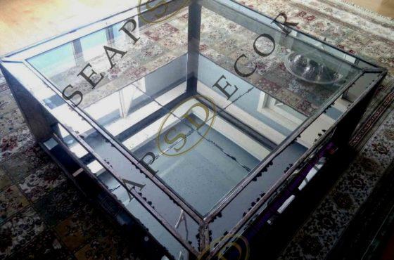 Декоративный стол из состаренного зеркале, стекла и металла