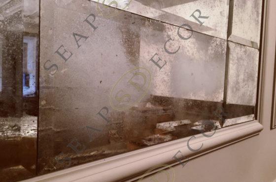 Состаренное зеркало Classic Bronze в ресторане Balmelli на Рогнеденской
