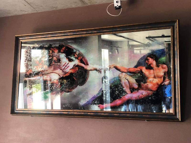 Состаренные картины от SEAPS в винных магазинах Wine Gallery