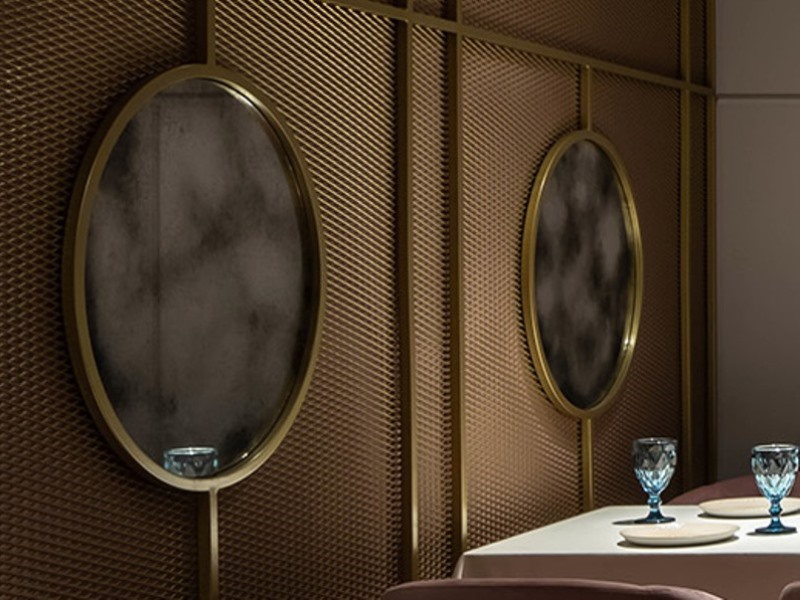 Состаренное зеркало Classic в интерьере ресторана Diglass на Б.Васильковской
